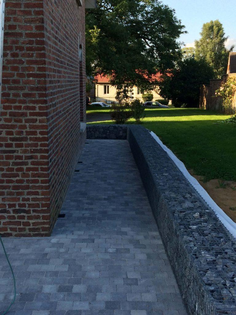 couloir terrasse paves gabions