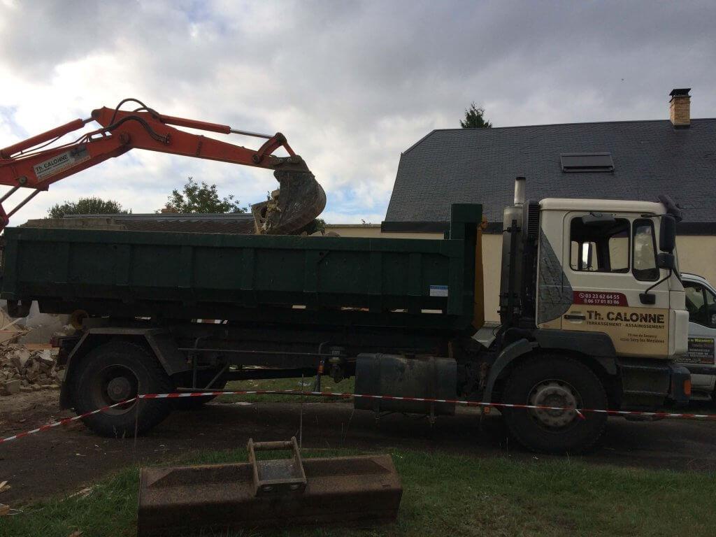 Camion pour transporter les gravats